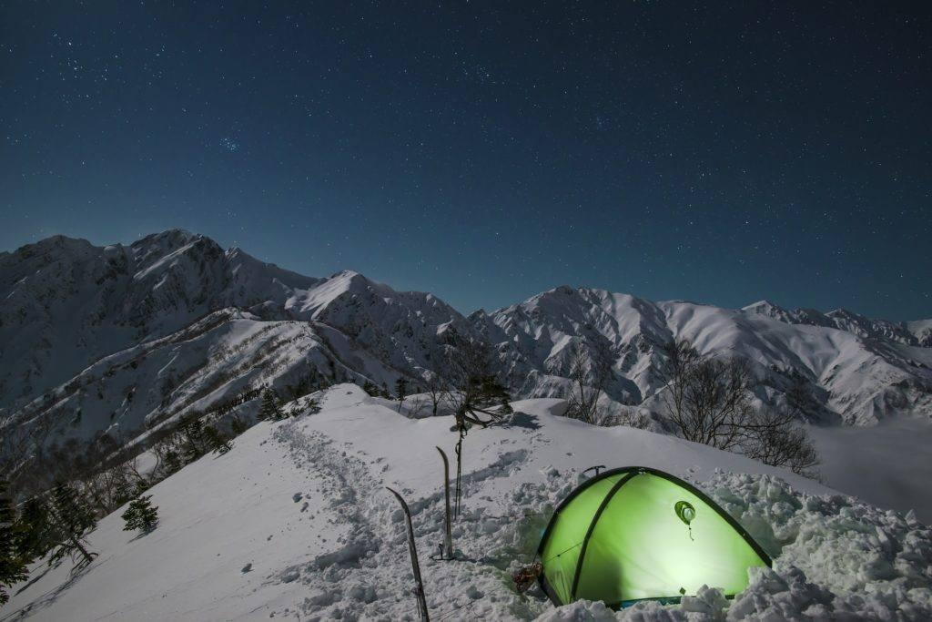 téli kempingezés sátorozás