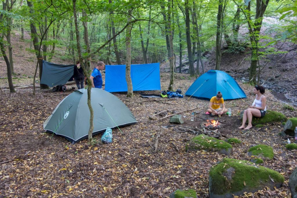 vadkemping sátorozás veszélyei nyári tábor